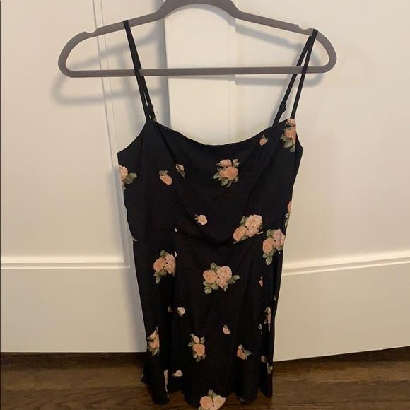 Reformation Dresses & Skirts - Reformation floral dress